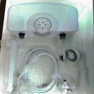 Электрический проточный водонагреватель Electrolux Smartfix 5,5 TS